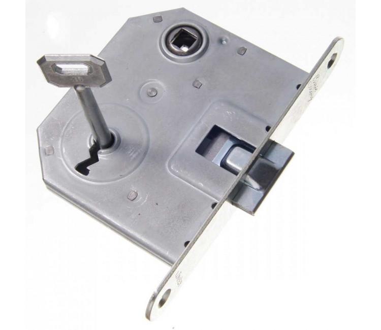 BSK00001000 - ZÁR EU-ELZ. 1391 IKVA STRONG LŐVÉR 1K -   1391 kulcsos lővér zár, általános felhasználásra kifejlesztett, kifejezetten kedvező árú zár, melynek nem tartozéka a záródarab, így főként cseréhez ajánljuk. 1 db kulcs a tartozéka.  Az ajtó nyitásirányának tekintetében a zár univerzálisan felhasználható, nincsen belőle balos és jobbos.