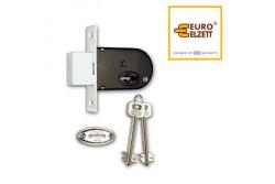 ZÁR EU-ELZ.700/K-D BIZT.BEV ZÁR  G512A24006  Kéttollú, másnéven patkózár amely ma is megállja a helyét. Elsősorban faajtókban és rácsokban találkozhatunk vele. Záranként 2 db kulccsal, ellendarabbal, valamint a kulcslyukat takaró ovális zárcímekkel együtt szállítjuk. Az ajtó nyitásirányától függetlenül beépíthető.